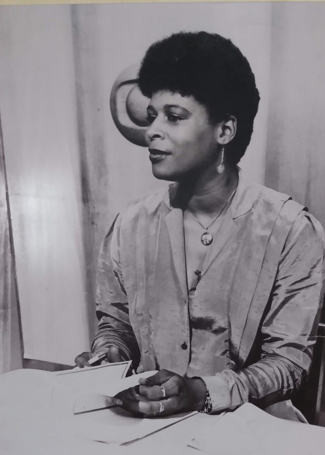 Jornalista Lena Santos