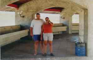 """... e os tanques onde as """"ganhadeiras"""" lavam roupas (Salvador, 2001)..."""