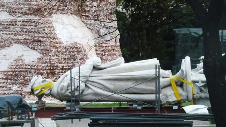 Estatua-monumento-a-Cristobal-Colon-1920