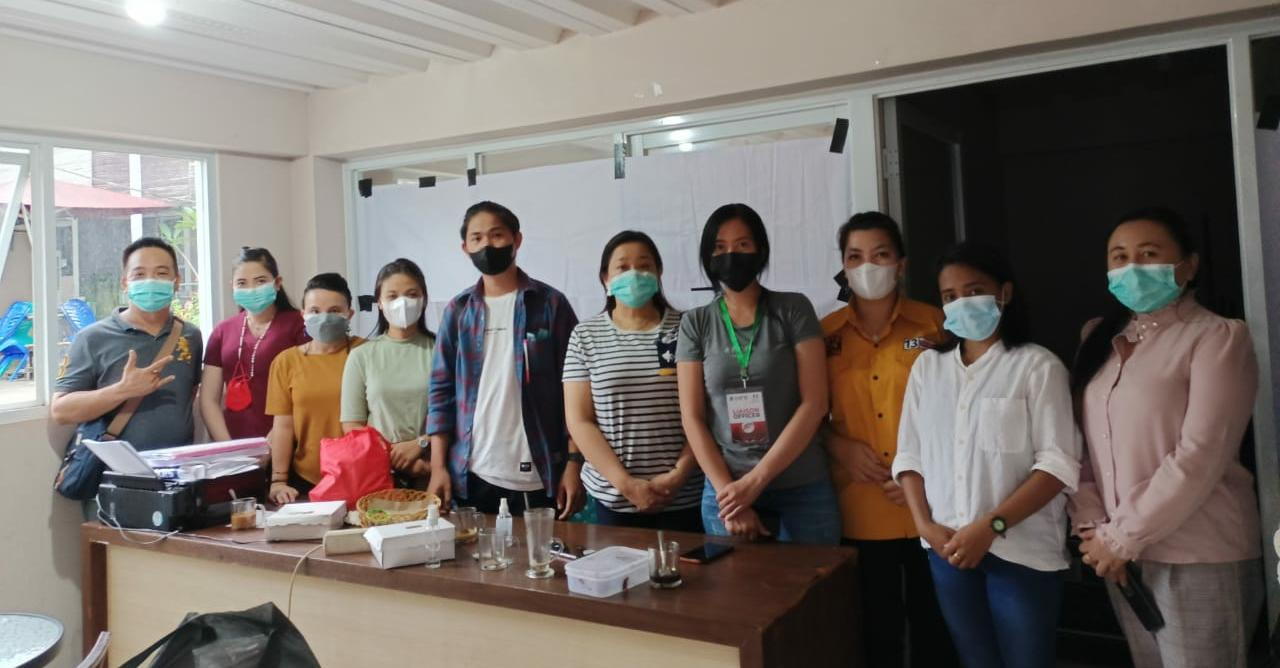 Bersinergi Perangi COVID-19, DPC Hanura Manado Laksanakan Vaksinasi Massal