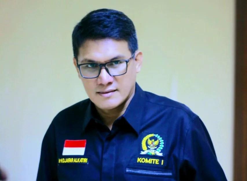 Tegas, Senator Djafar Bunyikan Alarm ke Jokowi Soal Rencana Menjual Vaksin
