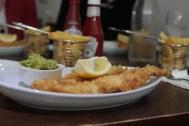 lecker Fish und Chips (mit Malzessig :3)