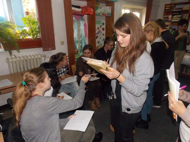 Servicii sociale inovative în comunitate - Biblioteca orăşenească Tg. Frumos, judeţul Iaşi în parteneriat cu organizaţia Salvaţi copiii