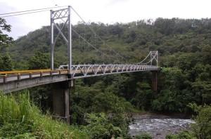 Puente Río Peñas Blancas