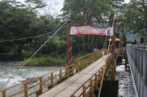 Puente Río Pejibaye