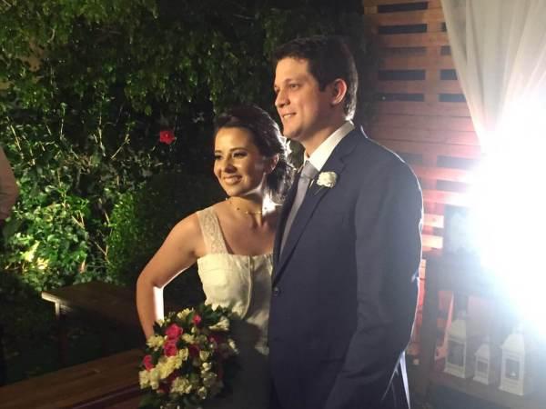 Depoimento dos noivos Juliana e Iberê sobre os serviços e gastronomia do buffet Expresso Gourmet