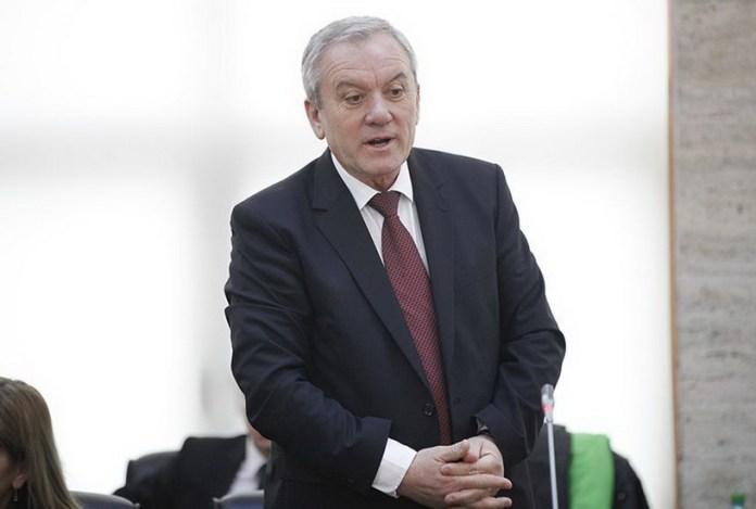 Un fals grosolan, made PSD Buzău. Cum a reușit Buzăul să bată Parisul până l-a lăsat lat