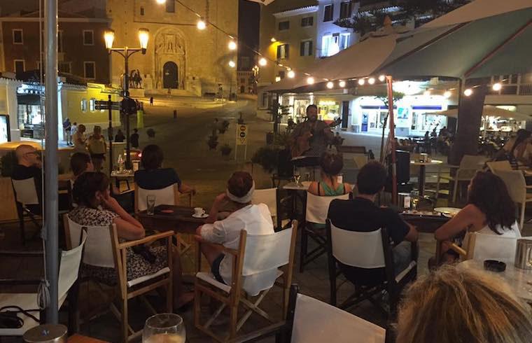 Exquisita Menorca El Romero Terraza de Noche