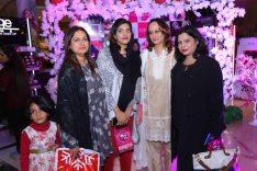Nina G with Bloggers