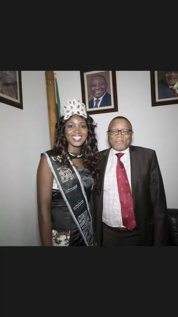 EMNews - SOUTH AFRICA AMBASSADOR PLAYS HOST TO MRS NIGERIA UNIVERSE QUEEN. 8