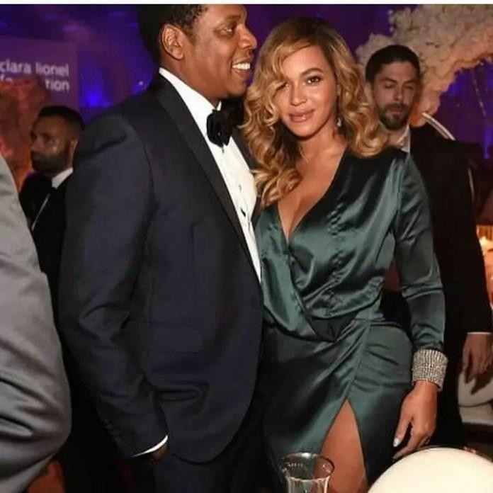 EMEntertainmentNews- Dashing Rihanna at the Third Annual Diamond Ball 3