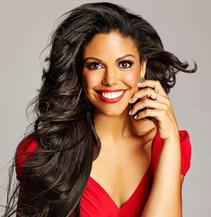 US star, Karla Mosley will model in Gert-Johan  Coetzee at the SA dashion show 1