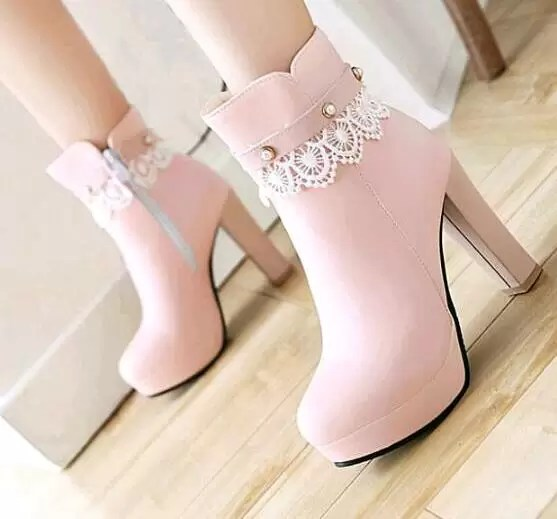 Trending thursday- fashionable boots 13