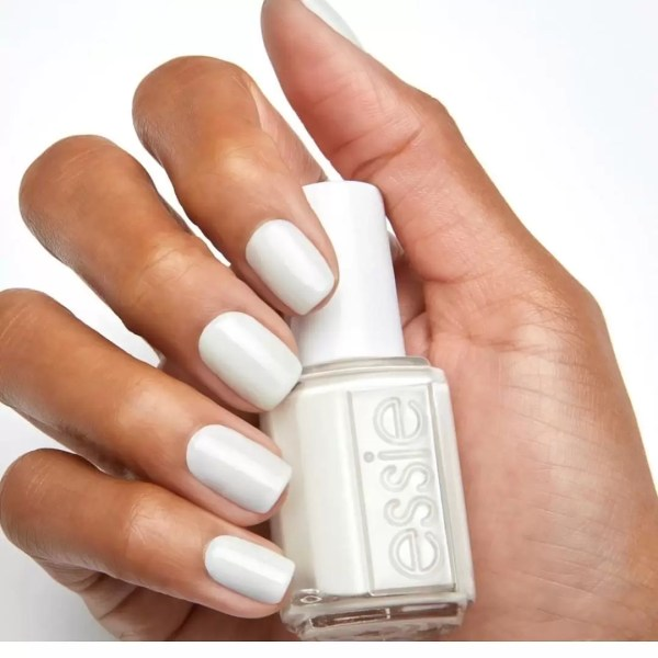 Feet Fetish: Have You Jumped On The White Nail Polish Trend? 4