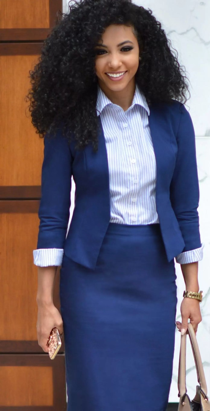 Ladies, It's Time To Get Your Blue Game On With These Awesome Blue Shirt Outfit Ideas 6