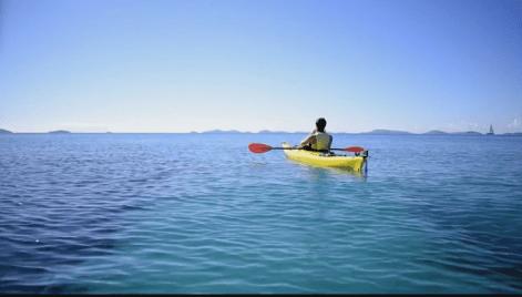 kayak_murter_exquisse_girl