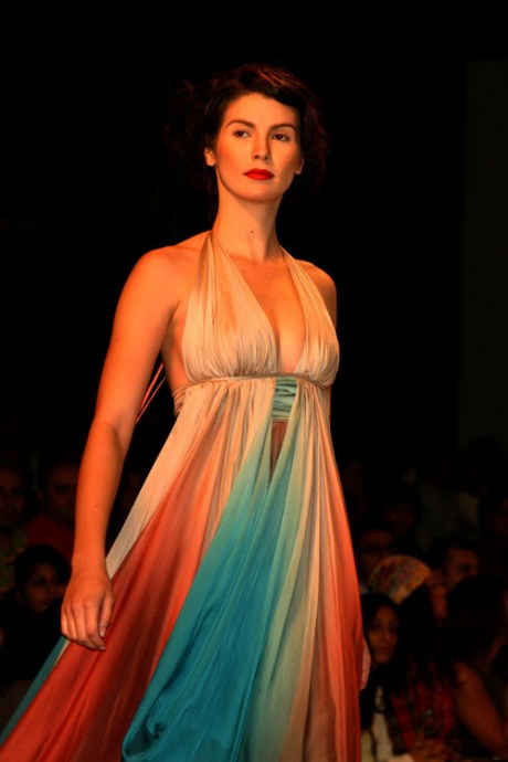 gauri-and-nainika-ss09