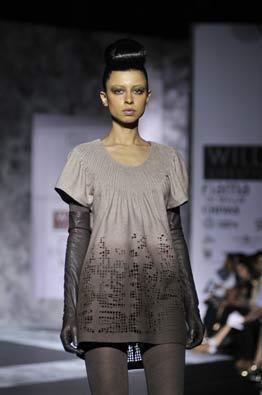 Layers of silver at Cue by Rohit Gandhi and Rahul Khanna