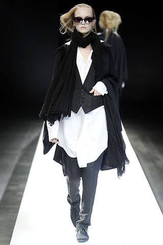 long-and-short-at-yohji-ss09