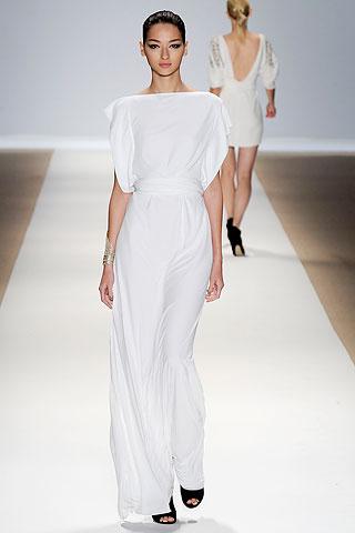 Dreamy white column dress at Yigal Azrouël SS10 show.