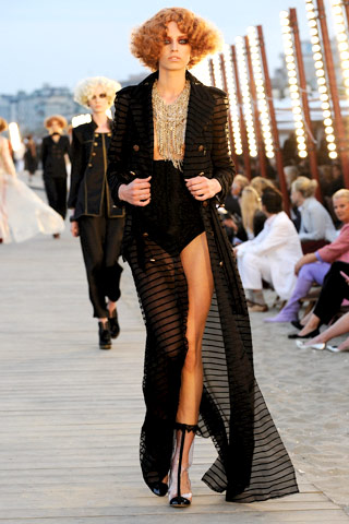 Fitzgerald's Daisy goes Rock and Roll. Chanel Resort 2010