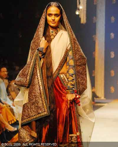 Maharani Mode at Sabyasachi FW09