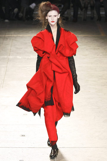The only way we want to see Yohji in the red. A look from Fall 09.