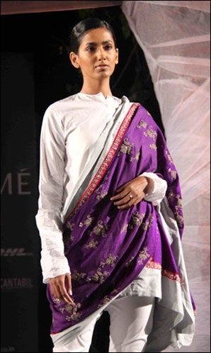 Anamika Khanna white churidaar suit and dupatta Summer Resort 2011 on exshoesme.com
