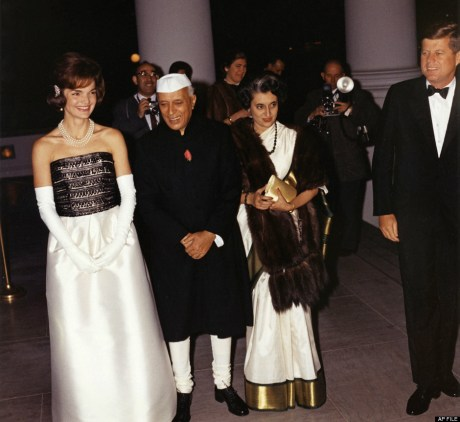 Jaqueline Kennedy, Jawaharlal Nehru, Indira Gandhi and John F. Kennedy in India 1962 on exshoesme.com