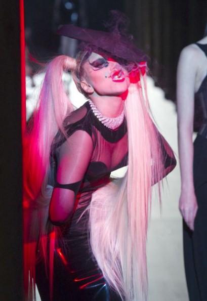 Lady Gaga for Thierry Mugler FW11 on exshoesme.com
