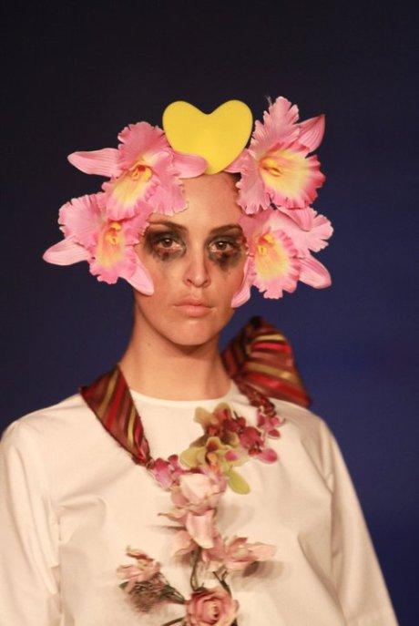 Little Shilpa Floral Headdress Summer Resort 2011 on exshoesme.com