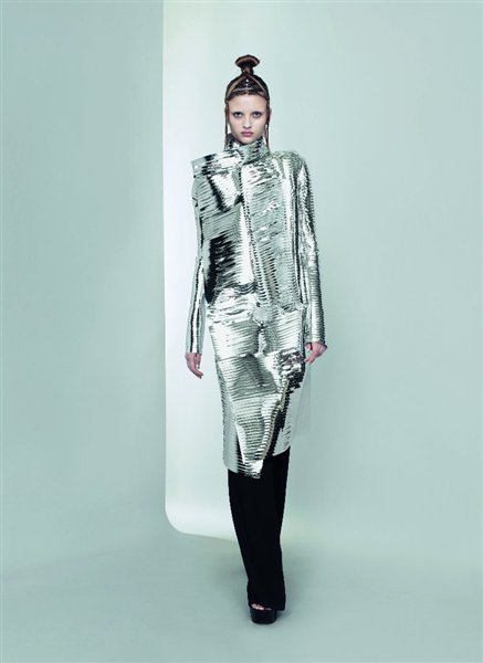 Gareth Pugh Silver Wrap Coat SS11 on exshoesme.com