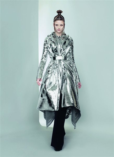 Gareth Pugh SS11 Silver Coat on exshoesme.com