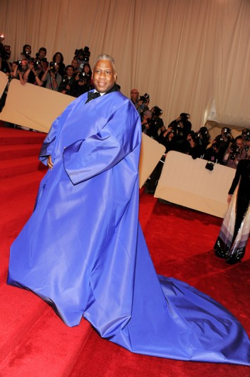Andre Leon Talley in one of his capes at the Met Ball 2011 on exshoesme.com