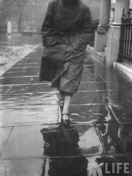 Reflections on Wet Pavement, probably London, 1923 by E.O Hoppe on exshoesme.com