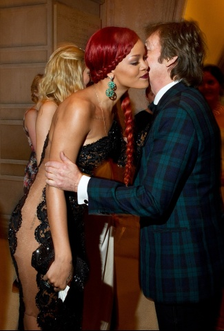 Paul McCartney in Blackwatch at the Met Gala on exshoesme.com
