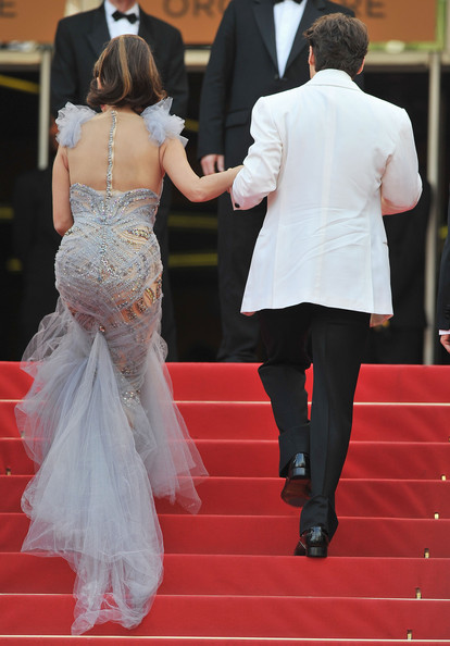 Penelope Cruz in Marchesa at the 2011 Cannes Film Festival on exshoesme.com.