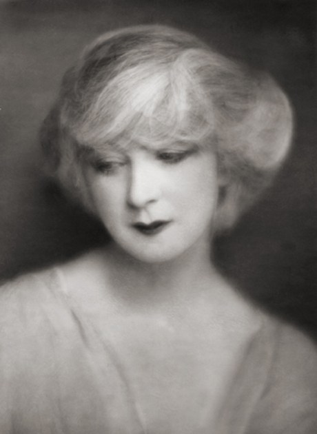 Ruth St. Denis, dancer, USA, 1922 by E.O. Hoppé on exshoesme.com