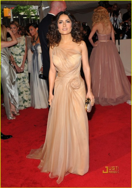 "Salma Hayek ""Alexander McQueen: Savage Beauty"" Costume Institute Gala At The Metropolitan Museum Of Art on exshoesme.com"