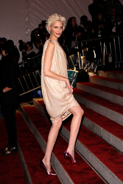 Nadja Auermann at the Met 2007 Photo by Larry Busacca -Getty Images North America on exshoesme.com
