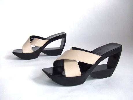 Robert Clergerie Sandals on exshoesme.com
