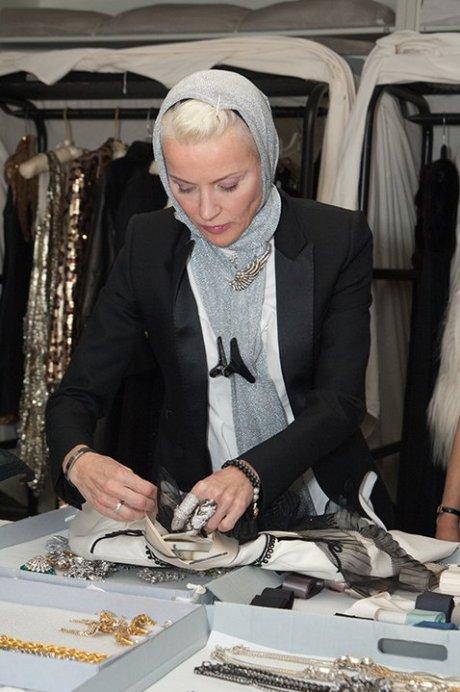 Daphne Guinness preparing for the exhibit. FIT photo on Exshoesme.com