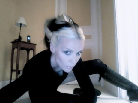 Daphne Guinness Self Portrait on Exshoesme (6)