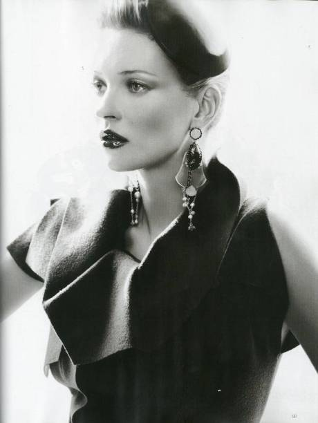 Kate Moss by Mario Testino for British Vogue August 2011 on exshoesme (7)