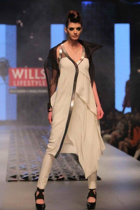 Black and White SS12 Asymmetry at Rohit Gandhi & Rahul Khanna on Exshoesme.com