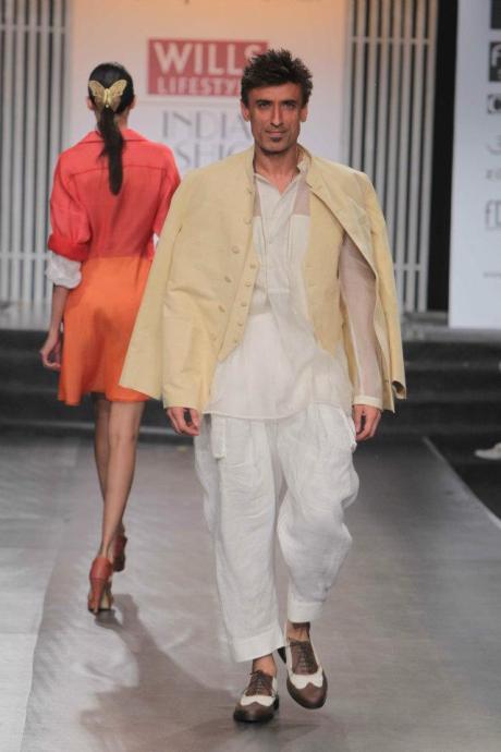 Rajesh Pratap Singh SS12 Menswear White and Yellow Suit on Exshoesme.com