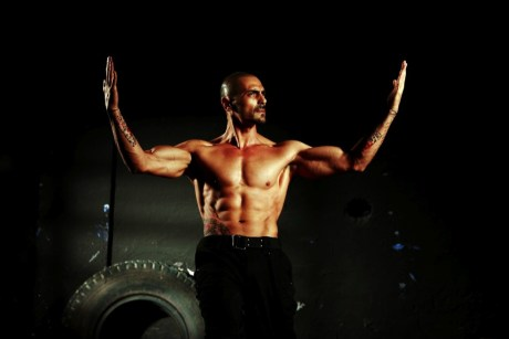 Arjun Rampal in character in Ra.One on Exshoesme.com