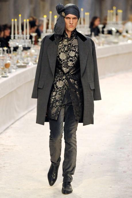 Chanel Métiers d'Art PF12 Paris-Bombay Collection Menswear Brocade Nehru Jacket and Pants on Exshoesme.com