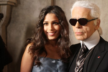 Karl Lagerfeld with Freida Pinto at the Chanel Métiers d'Art PF12 Paris-Bombay Collection on Exshoesme.com