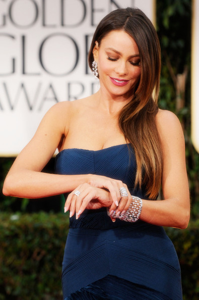 1 Sofia Vergara's sleek side style at the 2012 Golden Globe Awards on Exshoesme.com